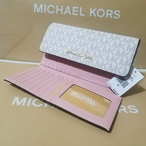 new large trifold wallet michael pink Authentic